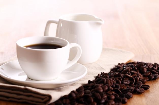 Xícara de café quente