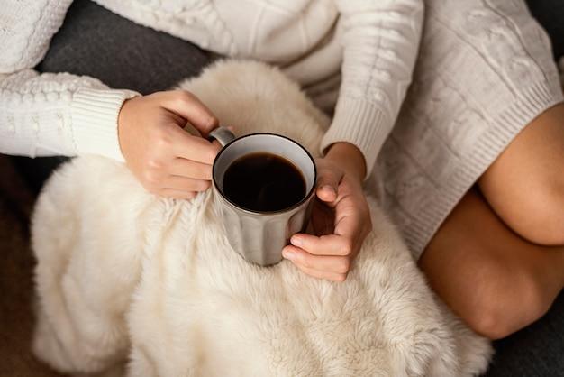Xícara de chá e biscoitos