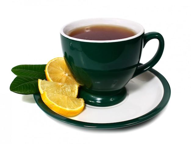 Xícara de chá e limão