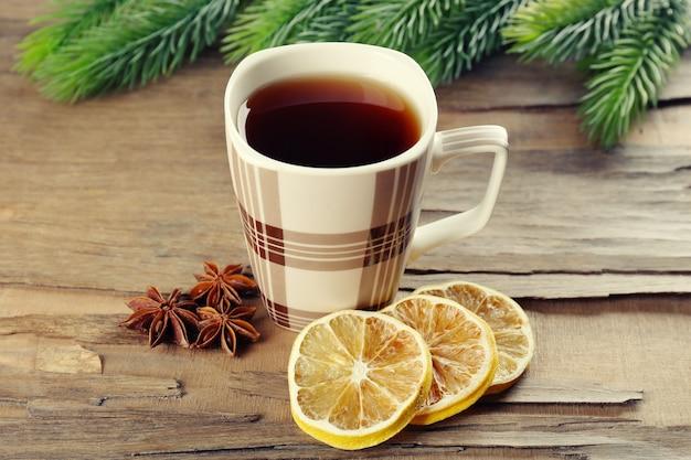 Xícara de chá em close-up da mesa
