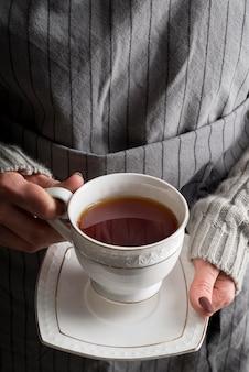 Xícara de chá fresca