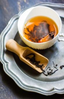 Xícara de chá preto