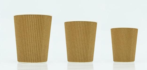 Xícaras de café para viagem em branco, tamanhos diferentes