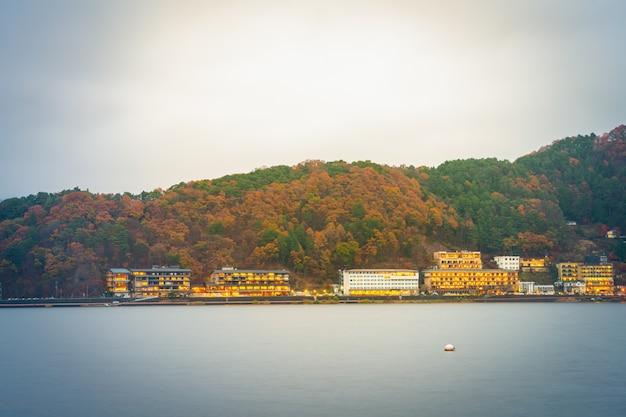 Yamanashi, japão - novembro 22: kawaguchiko em yamanashi, japão