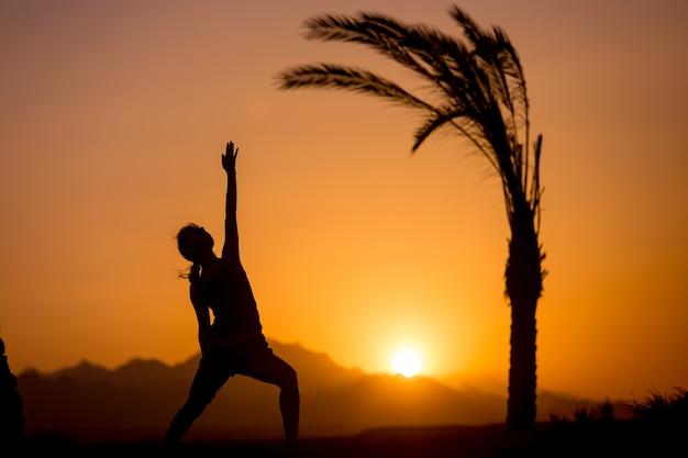 Yoga reverse warrior pose