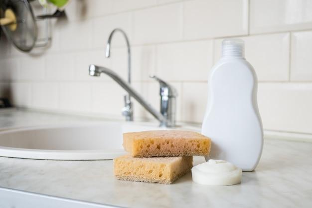 Zero desperdício de produtos para cuidados pessoais esponja de bambu natural ecológica sob a cozinha lavagem de pratos lavagem de mãos