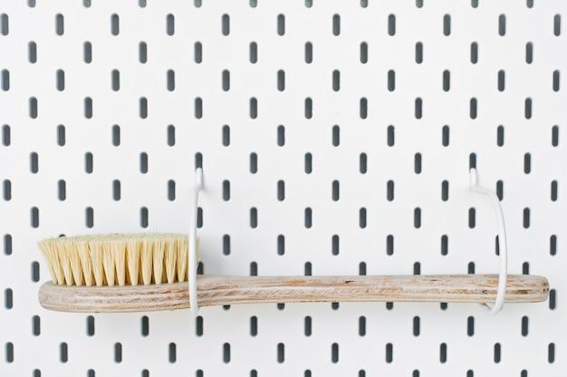 Zero resíduos de acessórios do banheiro, escova de sisal natural eco corpo, escova de chuveiros cópia espaço branco fundo