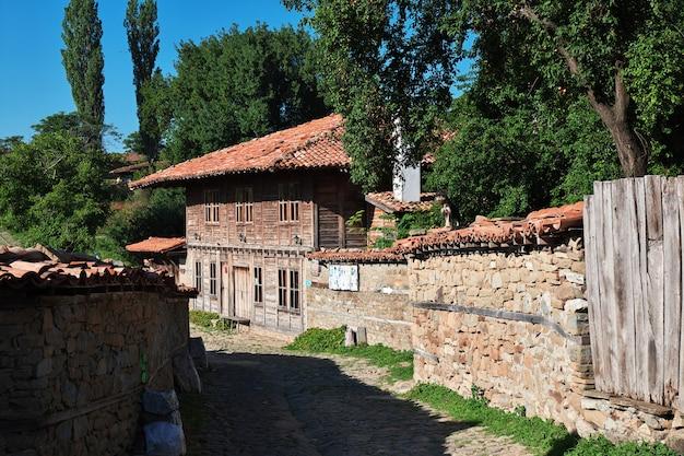 Zheravna é uma antiga vila na bulgária