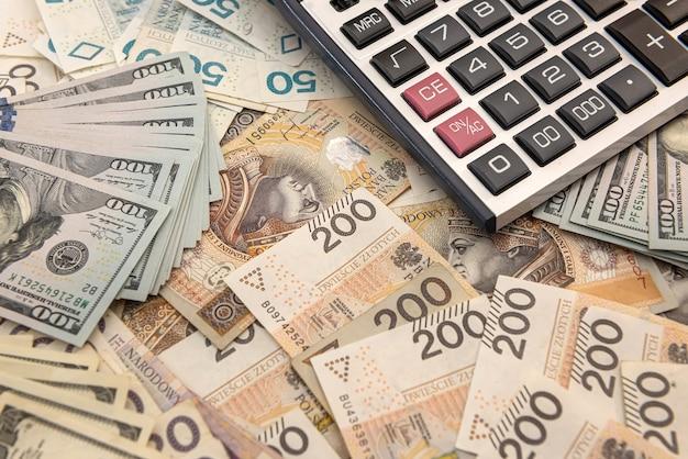 Zloty de dólar e conceito de negócio de calculadora, conceito de troca