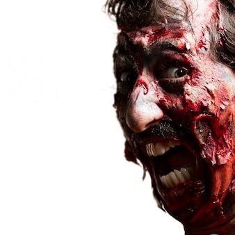 Zombie com a boca aberta