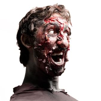 Zombie com olhos brancos