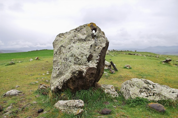Zorats karer, karahunj - ruínas antigas na armênia