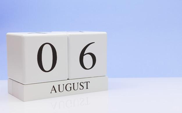 06. august tag 6 des monats, täglicher kalender auf weißer tabelle