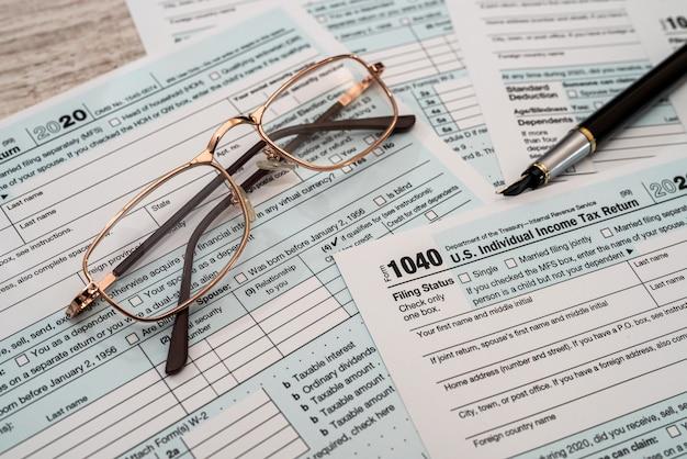 1040 individuelles steuerformular in nahaufnahme