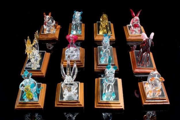 12 glaswarentiersymbol des tierkreises