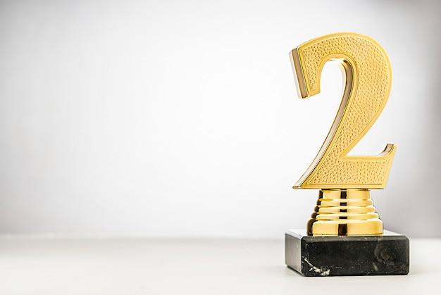 2. platz runners up gold trophy mit kopie raum