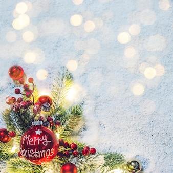 2020 frohe 2020 frohe weihnachten und neujahr urlaub hintergrund. unscharfer bokeh-hintergrund. weihnachten und neujahr urlaub hintergrund.