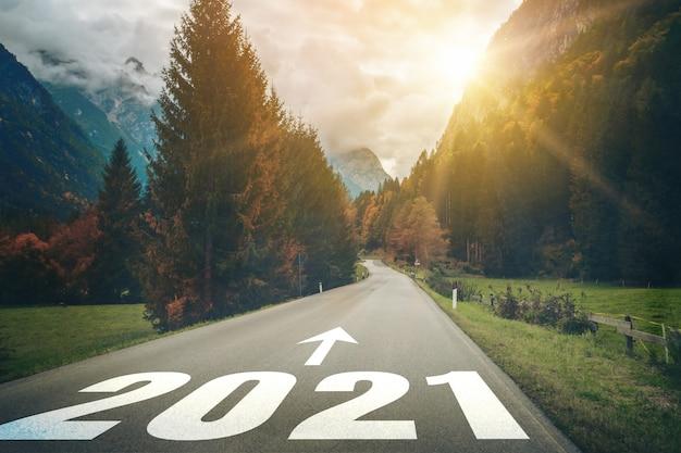 2021 neujahrsreise und zukunftsvisionskonzept.
