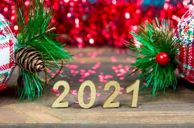 2021 und weihnachtsschmuck