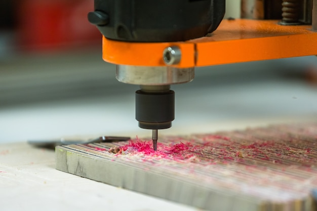 3 achsen cnc 3d maschine carving skateboards, skateboard recycling.