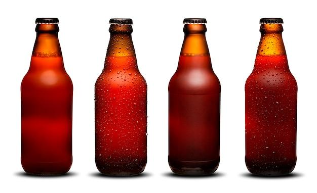 300ml bierflaschen mit tropfen und trocknet auf weißem hintergrund. ipa und bock.