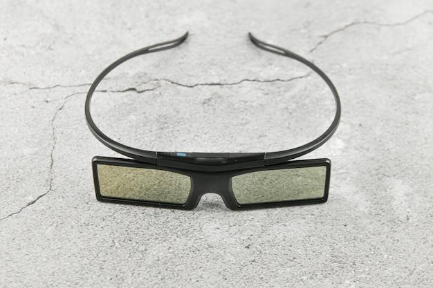 3d-brille. filetley. auf beton. platz zum schreiben