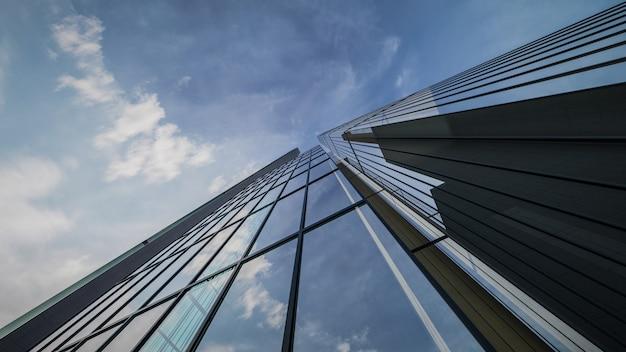 3d-rendering der visualisierung des äußeren wolkenkratzergebäudes