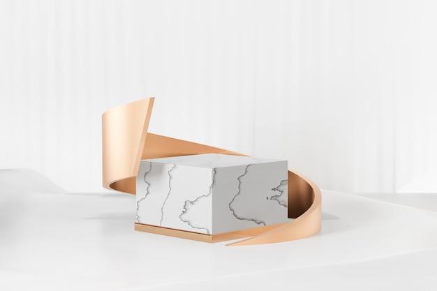 3d-rendering-hintergrund. weißer marmor white cube modell geometrische form mit kurvengold auf weißem stoffhintergrund. bild zur präsentation.