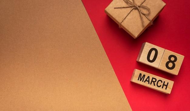 8. märz banner mit geschenkbox und kopierraum.
