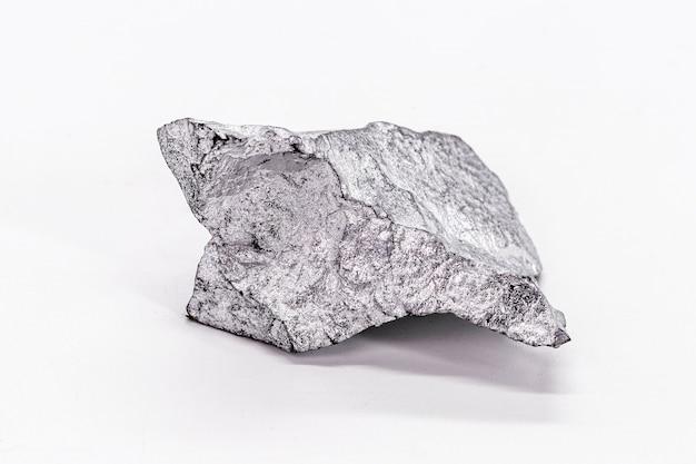 99,995% feinkadmium isoliert auf weißem hintergrund