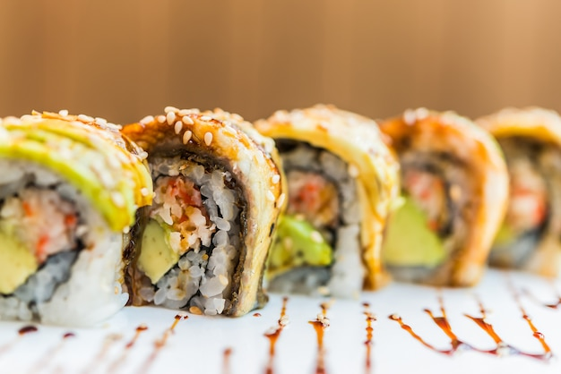 Aal-fisch-sushi-rolle