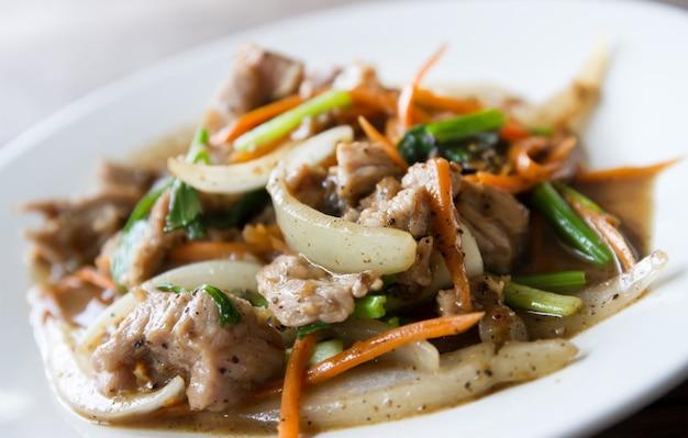 Abendessen zitronengras gemüse sojasauce küche