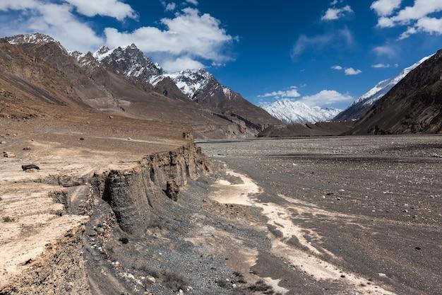 Abgelegenes shimshal-tal in den karakorum-bergen