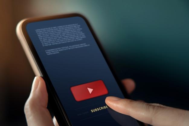 Abonnement- und digital-marketing-konzept. strategie für medieninhalte