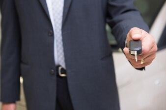 Abschluss oben des Verkäufers givng Kundenschlüssel