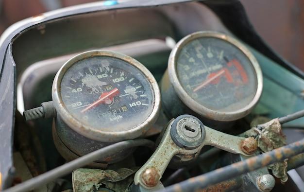 Abschluss oben des weinlesemotorradgeschwindigkeitsmessers
