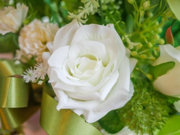 Abschluss oben, makro weißrosenblume