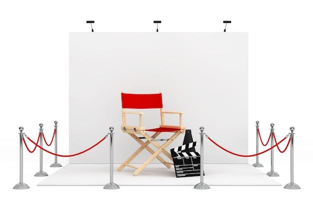 Absperrseil um messestand mit regiestuhl, filmklappe und megaphon auf weißem hintergrund. 3d-rendering.