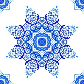 Abstrakte blaue und weiße hand gezeichnete medaillonfliese nahtloses dekoratives aquarellfarbenmuster.