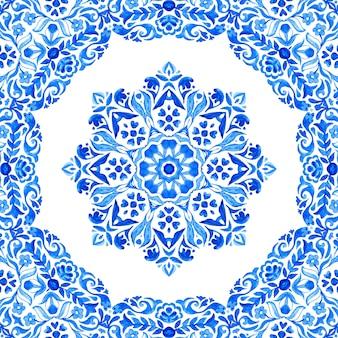 Abstrakte blaue und weiße hand gezeichnete medaillonfliese nahtloses dekoratives kranzaquarellfarbenmuster
