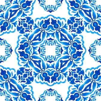 Abstrakte blaue und weiße handgezeichnete fliese nahtlose dekorative aquarellfarbe muster. elegante luxustextur für stoffe und tapeten, hintergründe und seitenfüllung.