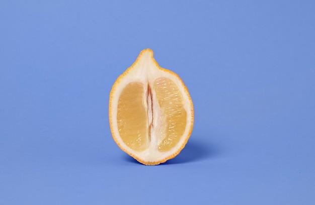 Abstrakte darstellung der sexuellen gesundheit mit zitrone