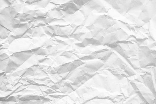 Abstrakte hintergrundbeschaffenheit des weißen zerknitterten papiers