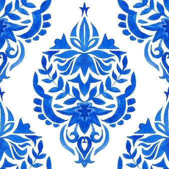 Abstrakte kachel arabeske damast aquarell handgezeichnete nahtlose muster für stoff- und keramikdesign. blaues und weißes azulejo-dekorationselement.