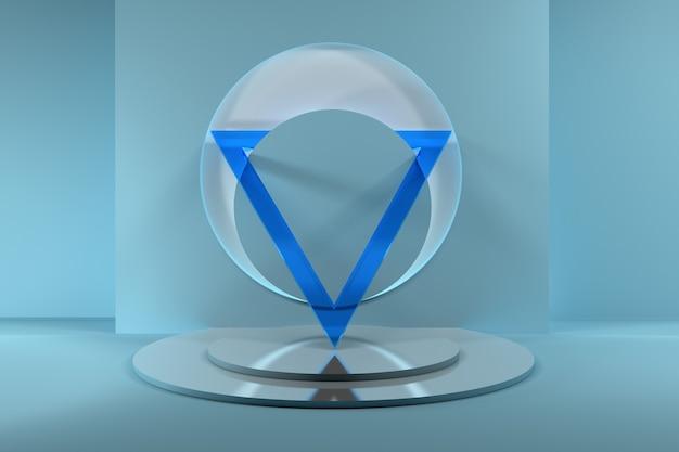 Abstrakte komposition mit großem transparentem blauen glasdreieck auf spiegelsockel