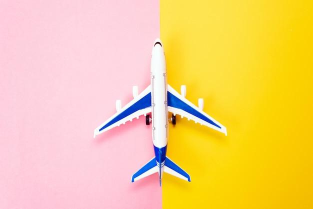 Abstrakte landebahn. konzept der flugzeugindustrie, flugsicherheit, sicherheit