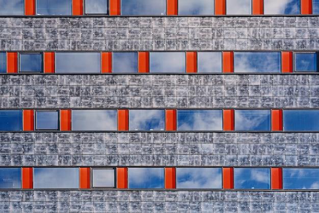Abstrakte moderne bürogebäudefassade