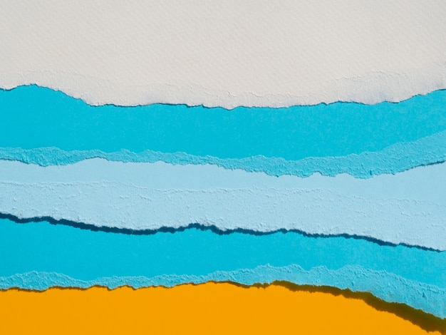 Abstrakte ozeanzusammensetzung mit farbpapieren