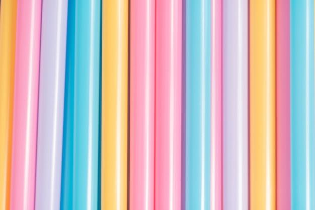 Abstrakte tapete von den pastell farbigen strohen regenbogen gefärbt
