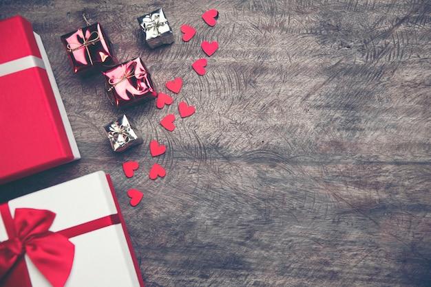 Abstrakter beschaffenheitshintergrund des liebeskonzeptes für valentinstag Premium Fotos